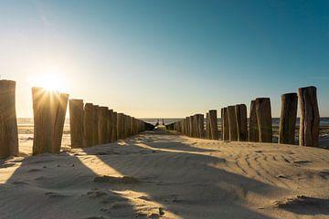 Sonnenuntergang am Strand von Domburg, Zeeland von Just Go Global