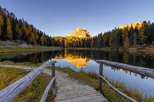 Brug naar Lago Antorno - Dolomieten, Italië van