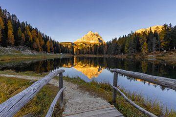 Brücke zum Lago Antorno - Dolomit, Italien von Thijs van den Broek