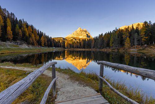 Brug naar Lago Antorno - Dolomieten, Italië