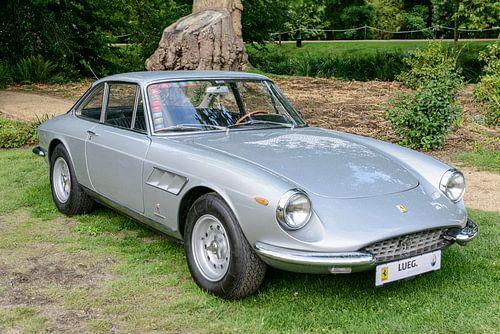 Ferrari 330 GTC klassieke Italiaanse GT-auto uit de jaren 60 van Sjoerd van der Wal