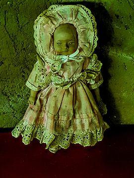 Oud brocante popje van Renee Alexandra Serlier