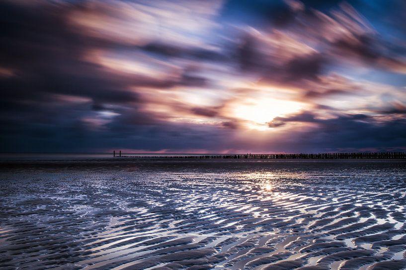 Sunset Zoutelande van Tonia Beumer