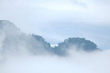 Landschap Pyreneëen van Arnold van Rooij