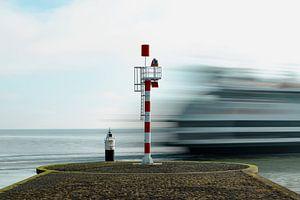 Veerboot langs pier van Everydayapicture_byGerard  Texel