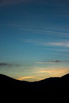 Blauwe lucht 2 von Lina Heirwegh