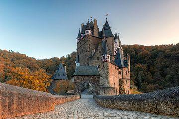 Herbst auf der Burg Eltz von Jan Koppelaar