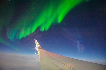 Tanzende Nordlichter aus dem Flugzeug von Leo Schindzielorz