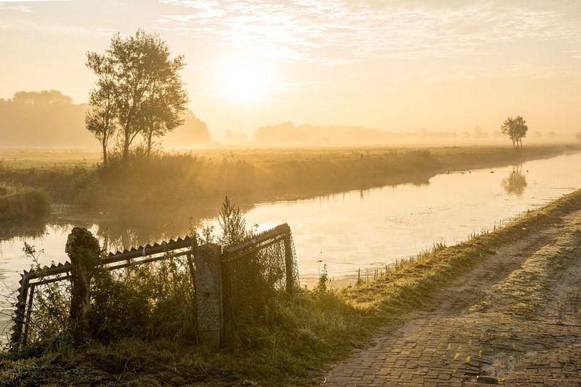 Mistige morgen van Dirk van Egmond