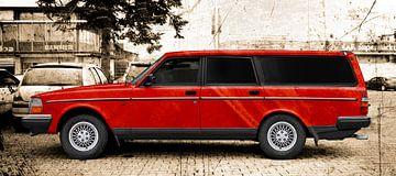 Volvo 245 stationwagon in rood van aRi F. Huber