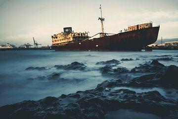 Telamón scheepswrak in haven van Arrecife van Daan Duvillier