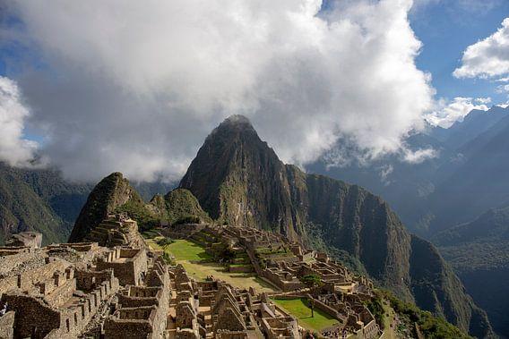 Uitzicht op de oude Inca-stad Machu Picchu. UNESCO-werelderfgoed, Latijns-Amerika