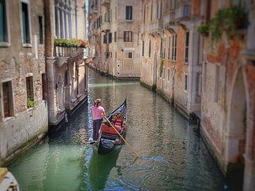 Gondelier in Venetië von