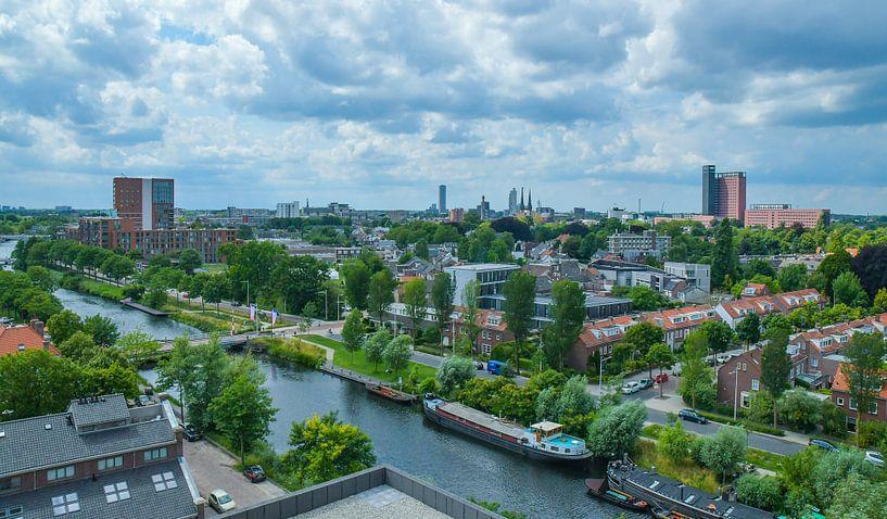 Havenbeeld: Skyline van Tilburg gezien vanuit grote hoogte von Freddie de Roeck