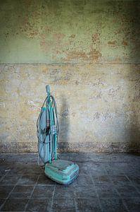Stofzuiger in verlaten gebouw