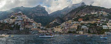 Dramatisch panorama van Positano, Amalfikust  van Patrick Verhoef