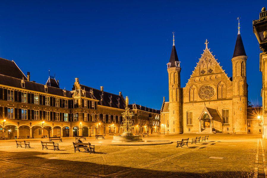 Het Binnenhof, Den Haag met heldere sterrenhemel.