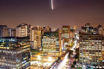 Approche d'atterrissage au-dessus de Sao Paulo, Brésil sur Guenter Purin