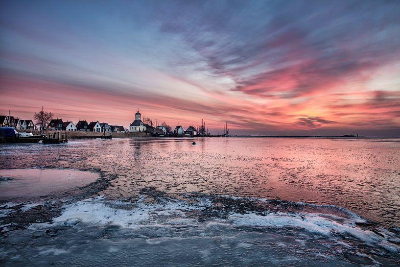 Le village de Durgerdam au lever du soleil en hiver sur Frans Lemmens