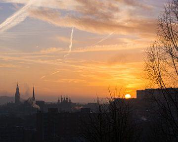 Zonsopkomst over Leuven van Manuel Declerck