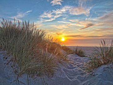 Zonsondergang aan het strand van Ruth de Ruwe