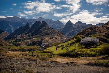 Tal auf Santo Antao. von Adri Vollenhouw