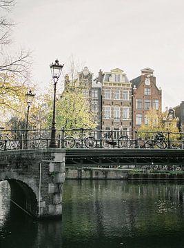 Amsterdamse grachten, analoge print van Michelle Wever