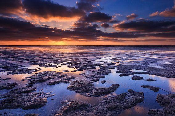 Zonsondergang aan de waddenkust van Karla Leeftink