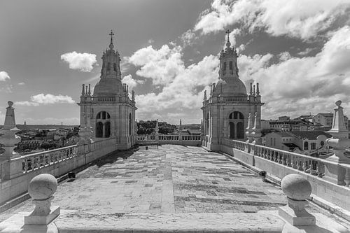Het klooster São Vicente de Fora in Lissabon in Portugal in zwart/wit