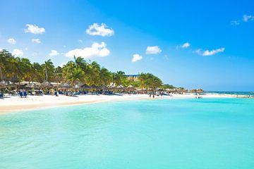 Palm Beach auf Aruba von Nisangha Masselink