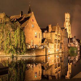 Rozenhoedkaai in Brugge, België van Sven Wildschut