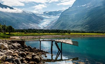 Steiger bij een meer in Noorwegen van Ellis Peeters