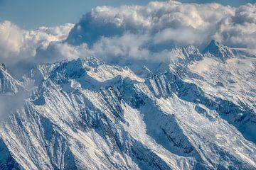 Besneeuwde alpen in Oostenrijk. van Johan Kalthof