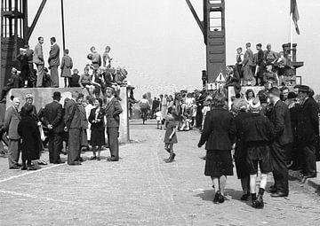 Amsterdam Duivendrecht, Bevrijding 8 mei von Ton deZwart