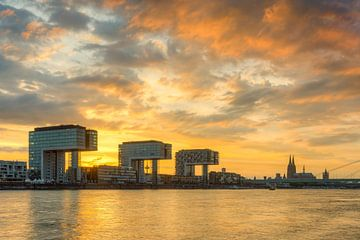 Köln in Flammen von Michael Valjak