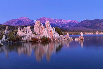 Mono Lake, bij zonsopgang, Californië, USA, van Markus Lange