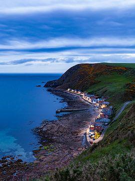 Küstendorf Crovie in Schottland am Abend von Werner Dieterich