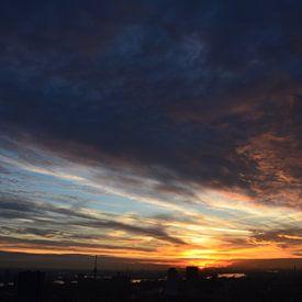 Prachtige Wolkendek boven Rotterdam van Marcel van Duinen