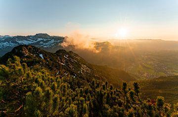 Zonsondergang over de Allgäuer Alpen bij de Iseler van Leo Schindzielorz