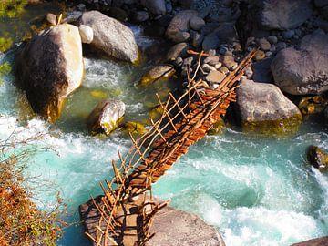 Nepali Bridge von Arno Snellenberg