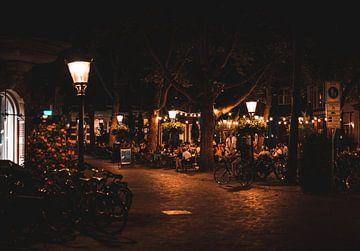 Janskerkhof in Utrecht op een zomeravond in kleur van Bart van Lier