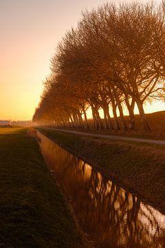 Zonsondergang kanaal door Walcheren dijk van Andy Troy