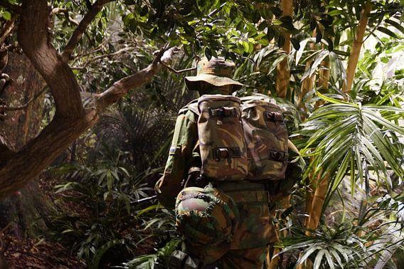 Militair in camouflage, Nationaal Militair Museum, Soest