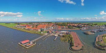 Luftpanorama von Marken auf dem IJsselmeer in den Niederlanden von Nisangha Masselink