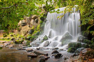 Waterval in het stadspark Sonsbeek in Arnhem. von Rob Christiaans