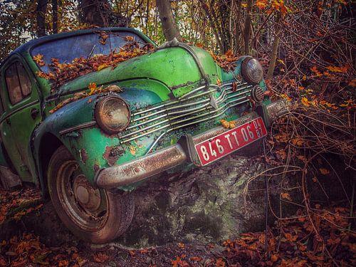 Groene oldtimer Renault van