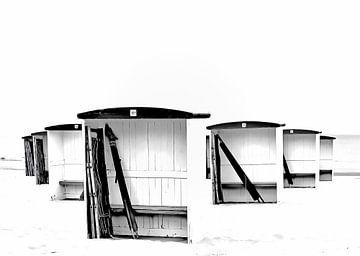 Sommer mit Strandhütten in Katwijk, die Niederlande von Mieneke Andeweg-van Rijn