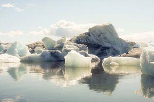 Icebergs III van