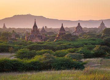 Sonnenuntergang an den Tempeln von Bagan, Myanmar von Teun Janssen