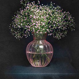 Stilleven roze gipskruid van Danny den Breejen